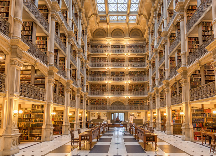 Biblioteca George Peabody, Baltimore (Patrick Gillespie, Flickr)